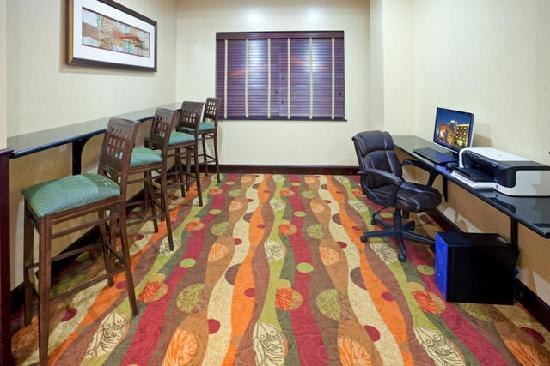 Holiday Inn Express Hotel & Suites Lubbock West: Business Center