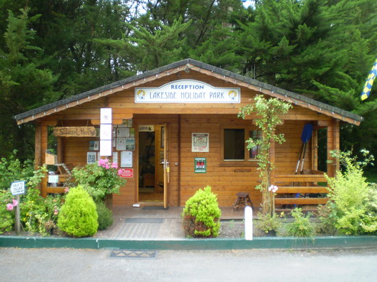 Lakeside Holiday Park: The Reception
