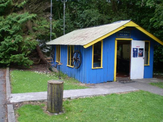 Lakeside Holiday Park: the campers Kitchen