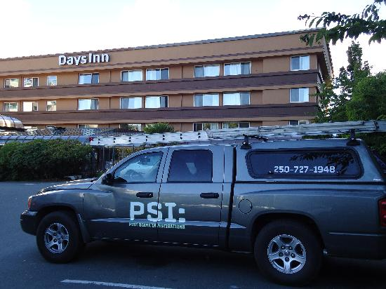 Days Inn - Victoria on the Harbour: The last thing you want to see parked outside your hotel.
