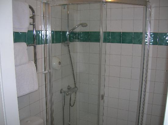 Elite Hotel Mollberg: Shower
