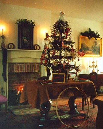 Shriver House Museum: Traditional Christmas tree set on the parlor table in the Shrivers' home.