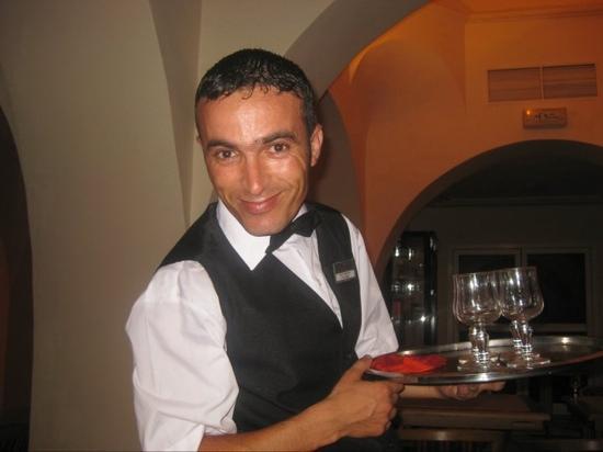 El Mouradi Djerba Menzel: anise our waiter!
