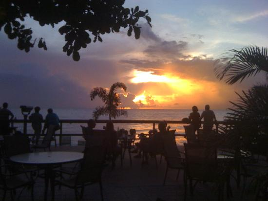 Villa Cofresi Hotel: Sunset on the deck