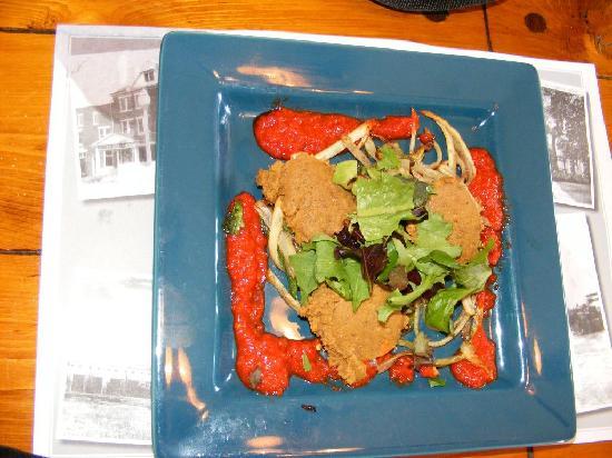 Ligonier Tavern: vegan food--very good!
