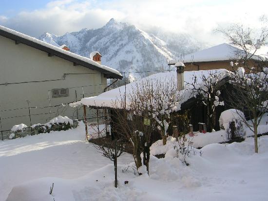 Neve a Castione della Presolana: appartamenti su