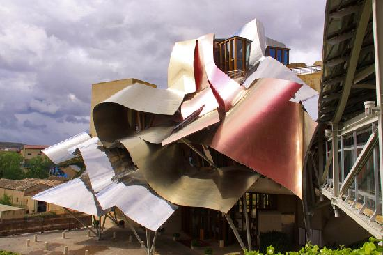 Hotel Marques de Riscal a Luxury Collection Hotel: Hotel Marqués de Riscal desde el Spa
