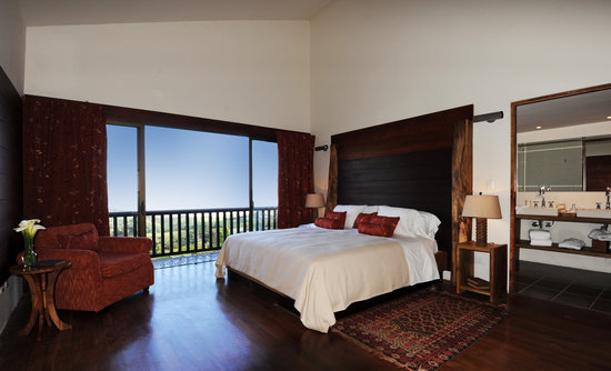 Poas Volcano Lodge: master suite bedroom