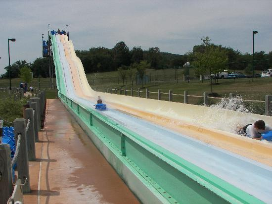 Massanutten Resort Water Park: outdoor slide