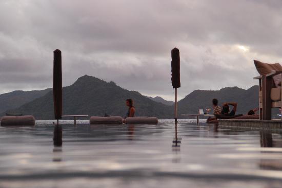 Le Domaine de L'Orangeraie Resort and Spa: La piscina