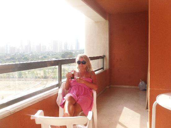 Buenavista : nice big balcony gets day and evening sun