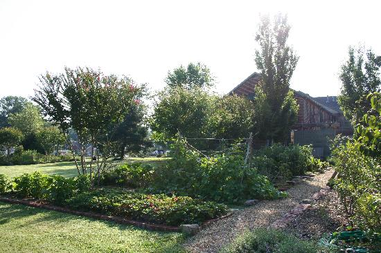 Monteagle Inn & Retreat Center: Gardens