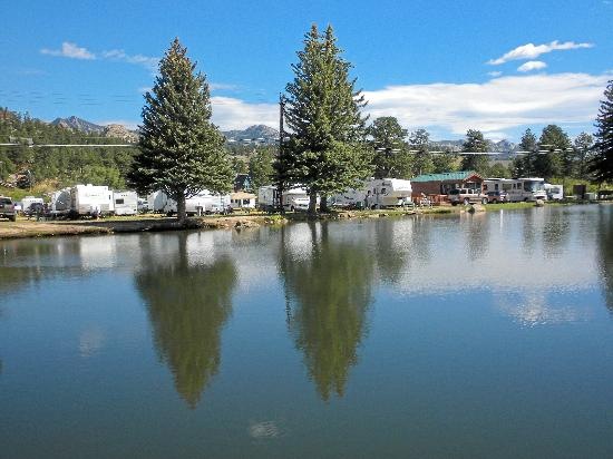 Spruce Lake RV Park: Fishing Pond