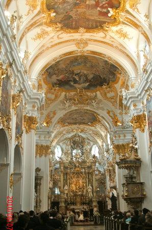 Регенсбург, Германия: Rococo interior of Alte Kapelle