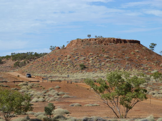 Dinosaur Stampede at Lark Quarry Conservation Park : Beautiful scenery