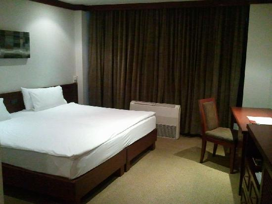 City Lodge Soi 9: A littie old.But very clean room. (superior)