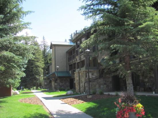 VRI Streamside at Vail - Aspen: Front