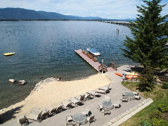 The Lodge at Sandpoint : View of the lake from the lobby deck