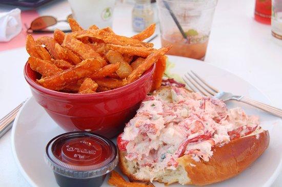 The Summer House Restaurant: Lobster roll