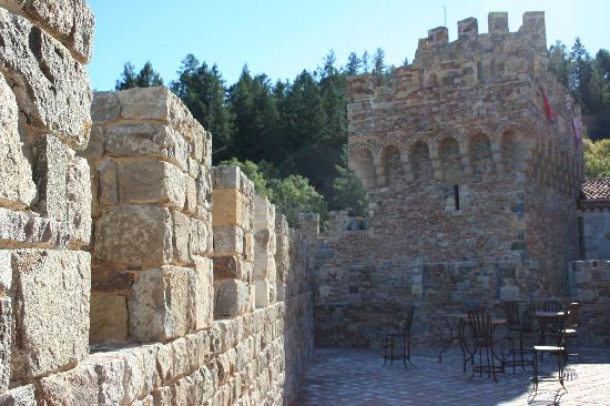 Apex Limousines Wine Tours: Castello di Amorosa