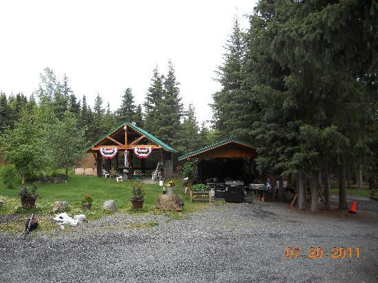 The Hutch Bed & Breakfast: Fire pit building on the left