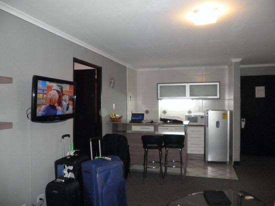 Wyndham Garden Panama Centro Hotel: Living con cocina