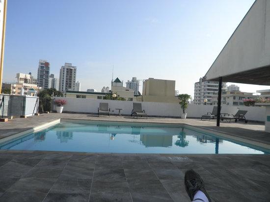 Wyndham Garden Panama Centro Hotel: Piscina