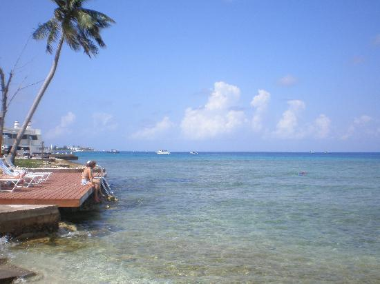 Coral Sands Resort: Your own private beach