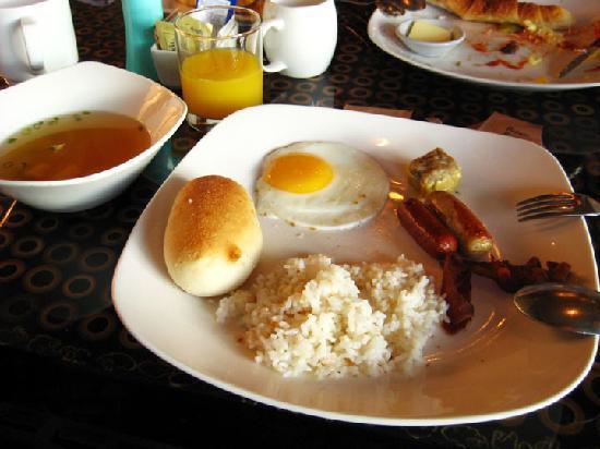 New World Makati Hotel: breakfast
