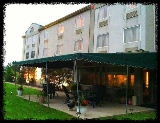 Holiday Inn Express Irwin (PA TPK EXIT 67) : Back patio with huge back yard