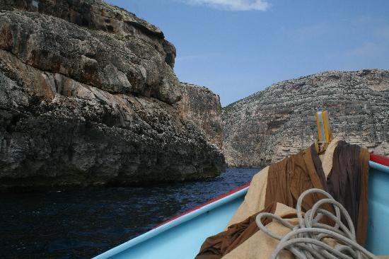 Blue Grotto (Il-Hnejja) : Heading out