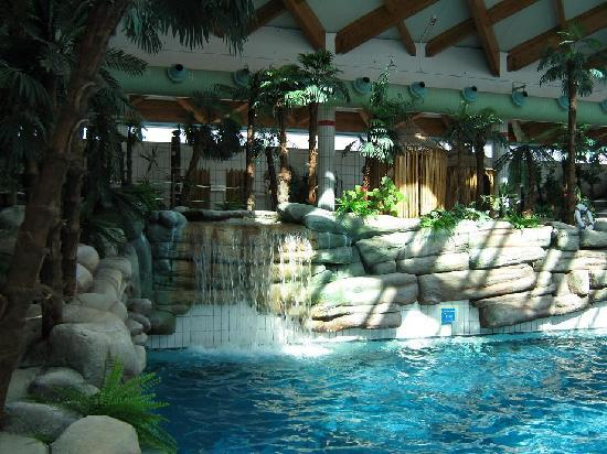 Hotel Terme: waterfall