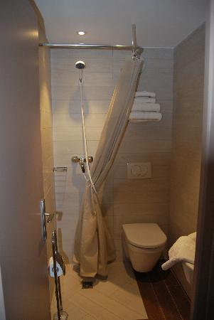 Hotel Thalassa : SALLE DE BAIN,WC