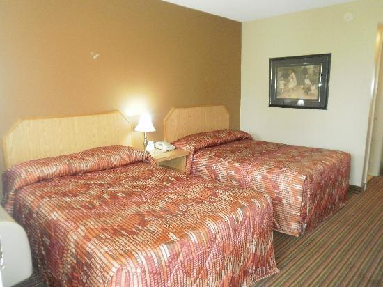 Bayview Inn: guest room with 2 double bed