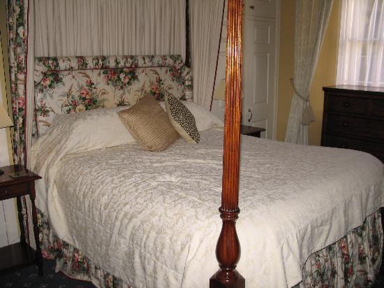 The Esplanade: Bed room
