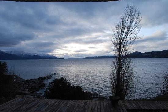 Apart Hotel Cabanas Balcon al Lago: Vista da janela da cabana (2)