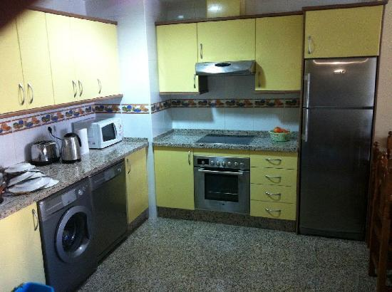 Nuria Sol: Large Kitchen