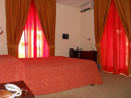 San Max Hotel: camera_105