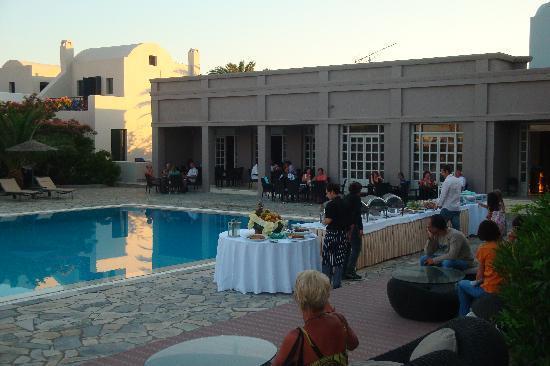 9 Muses Santorini Resort: Soirée grecque à l'hôtel