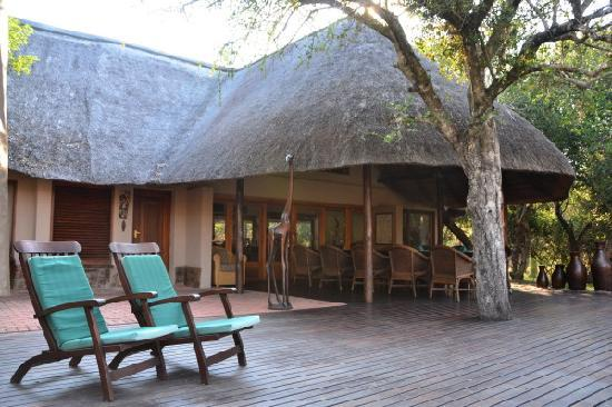 Serondella Game Lodge : main deck of the lodge