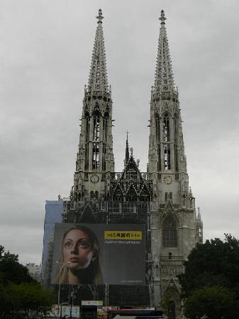 Ringstrasse: Votive Church