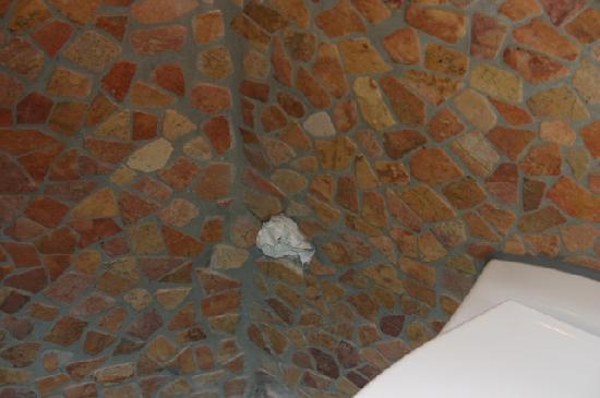 loch in der wand orientalisch repariert bild von hotel villa oriental frankfurt am main. Black Bedroom Furniture Sets. Home Design Ideas