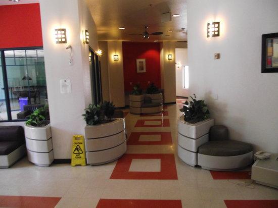 Vantaggio Suites: entrada