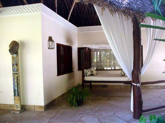 Kilili Baharini Resort & Spa: Verso il ristorante