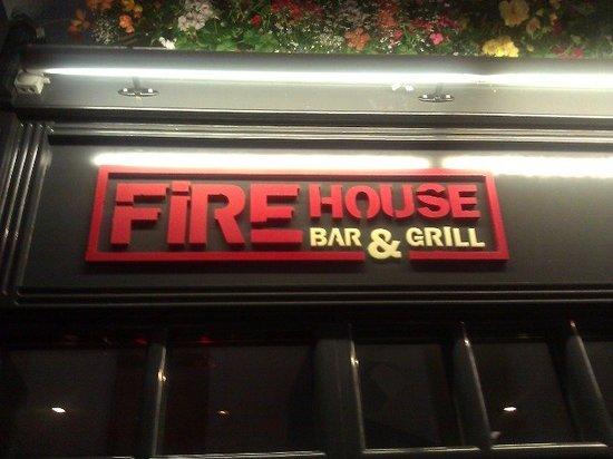 Firehouse Bar and Grill: Eingang zum  Firehouse Bar & Grill