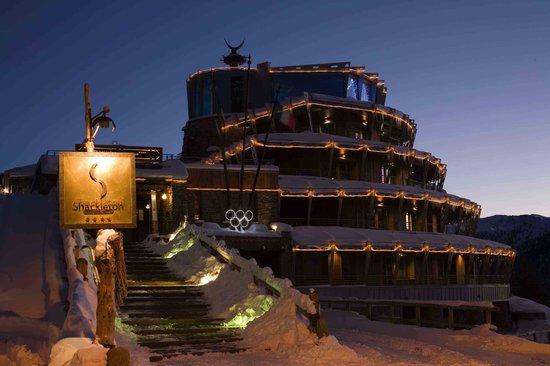 Hotel Shackleton Mountain Resort : Shackleton esterna in notturna