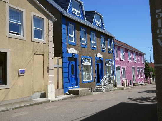 Nuits Saint-Pierre : view of Les Nuits --blue door on left, Chez Josephine is blue door on right