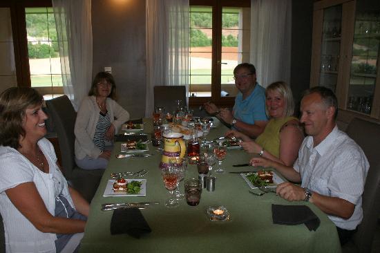 Autour de la bonne table de myriam picture of mon ventoux sault tripadvisor - Autour de la table ...