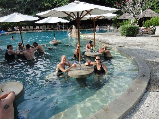 Bali Garden Beach Resort: Fun for mums at the pool too!!