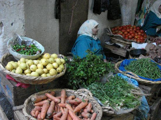 Medina of Tétouan: shops selling all manner of goods